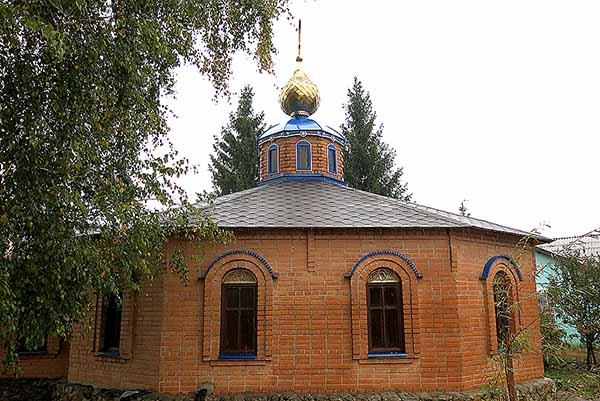 На православном храме в ИК-1 установили новый купол
