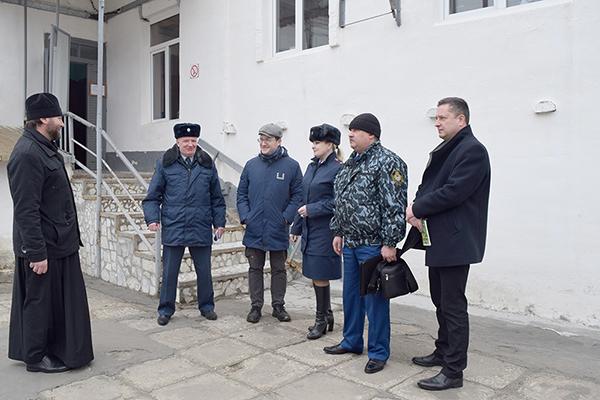 Больницу для осужденных посетили представители прокуратуры и общественных организаций